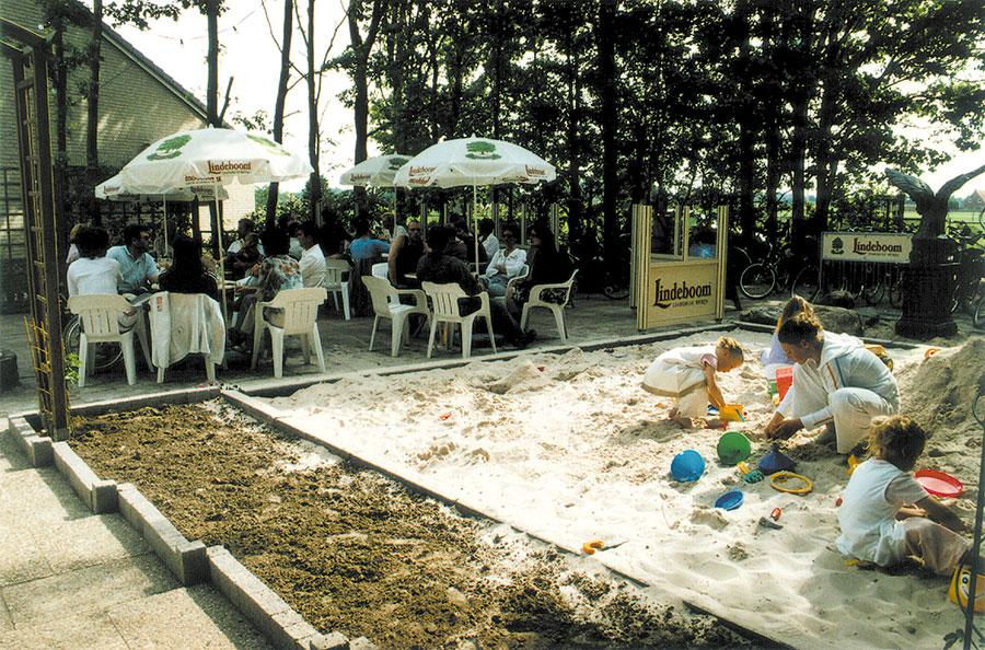 Nieuwbouw-Forellenvijver-Heioord-2003-foto-57